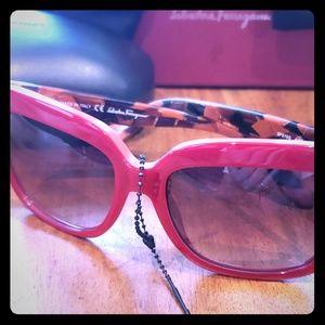 Salvatore Ferragamo Sunglasses SF676S